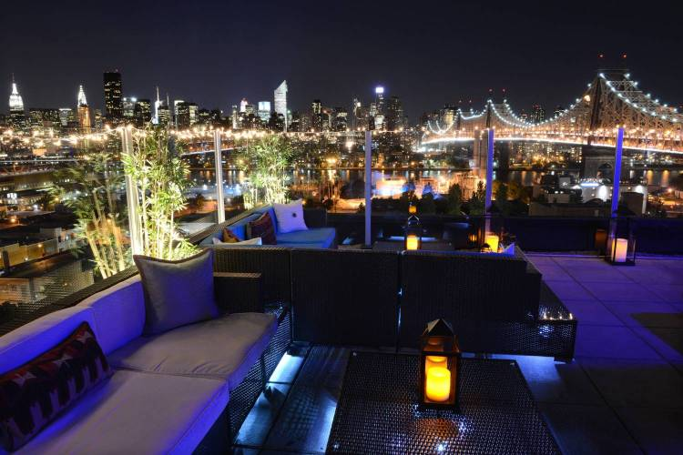 Z_NYC_Hotel_Rooftop_Bridge_3000px_1500_1000_70_c1.jpg